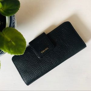 Fossil • genuine black pebbles leather wallet